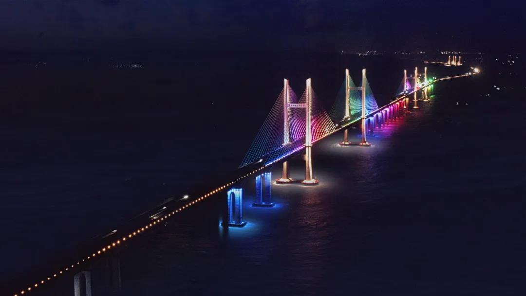 飞利浦专业照明整体解决方案助力我国首座跨海公铁两用桥