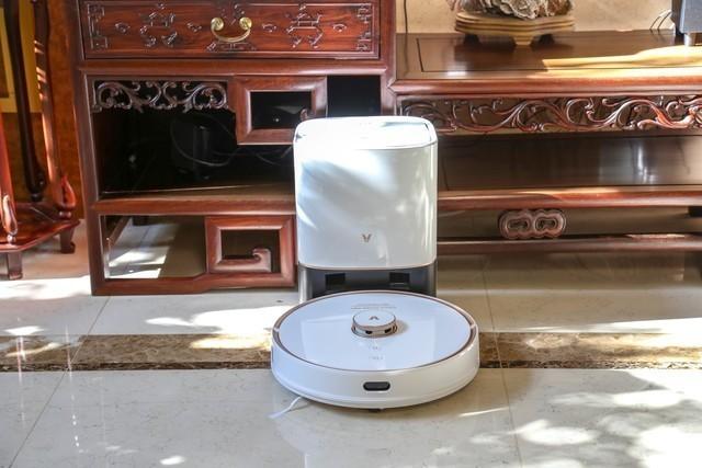 颠覆传统设计,可以自动集尘的云米互联网集尘扫拖机器人凌厉1A评测
